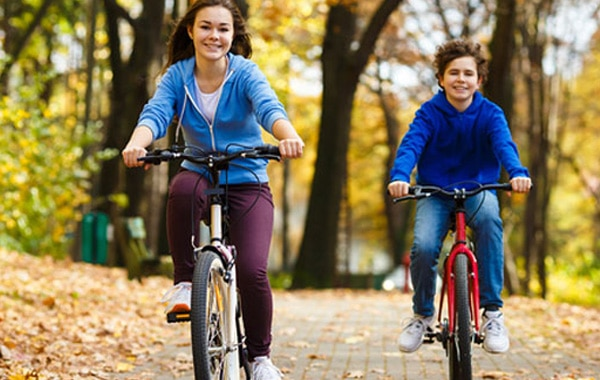 2 Tips for Encouraging Your Kids to Play Outside